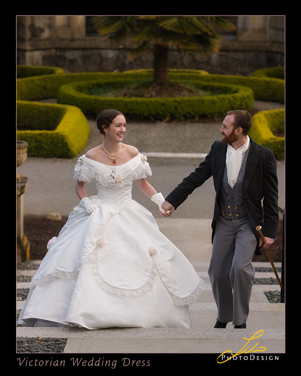 Victorian-Wedding-Bride-and-Groom